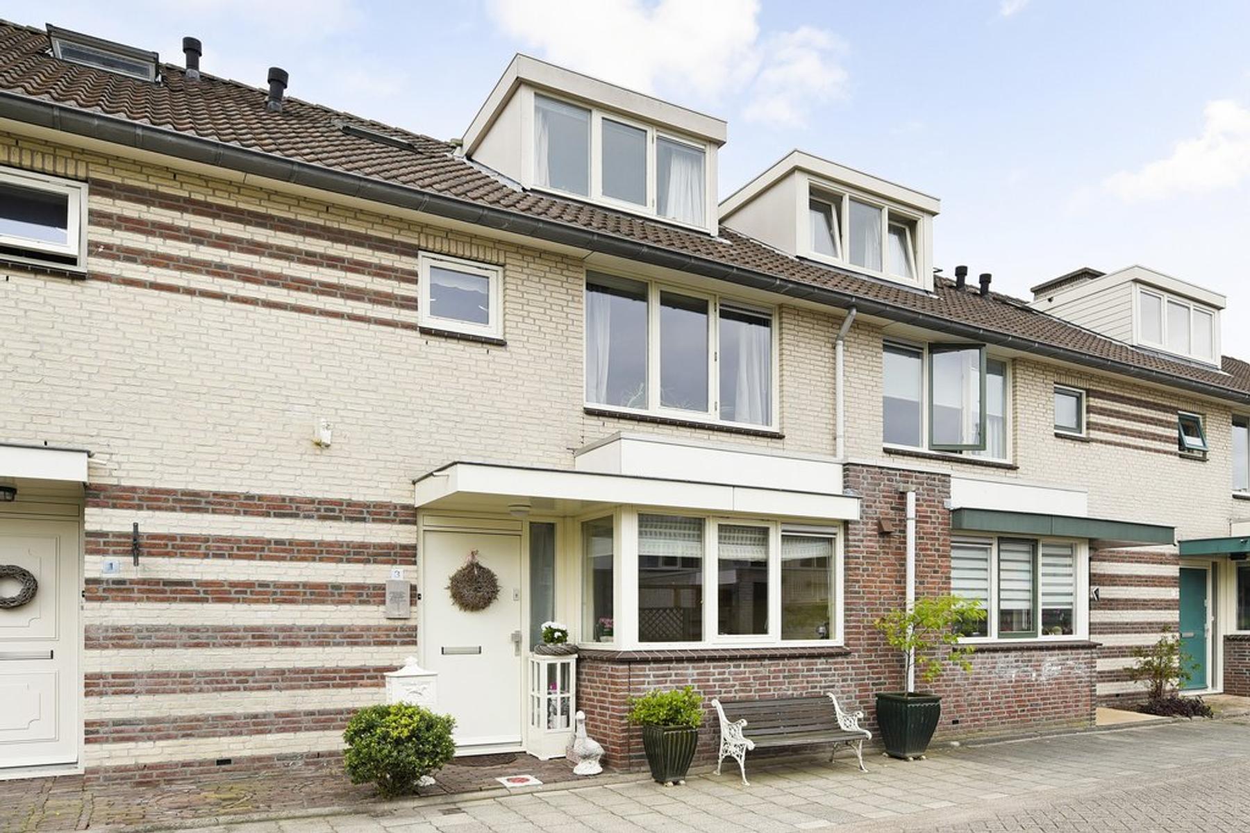 Baarslaan 3 in Voorhout 2215 XJ