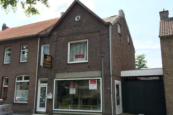 Raadhuisstraat 105 in Urmond 6129 CC