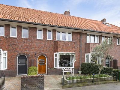 Van Leeuwenhoekstraat 25 in Leeuwarden 8921 TZ