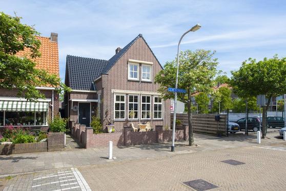 J. Van Der Vegtstraat 44 in Katwijk 2225 TT