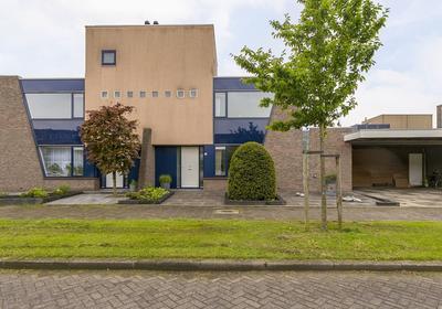 Van 'T Hoffstraat 9 in Ridderkerk 2984 EA