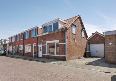 Leeuwstraat 2 in Halsteren 4661 KR