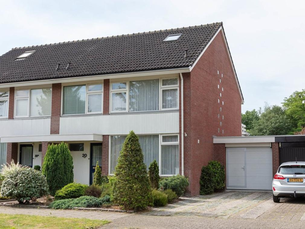 Reviusstraat 20 in Hengelo 7552 GJ