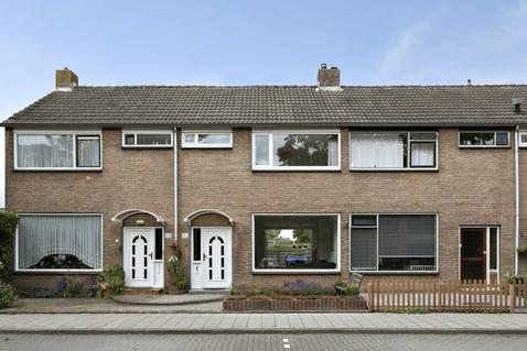 Suze Groenewegstraat 31 in Purmerend 1442 NA