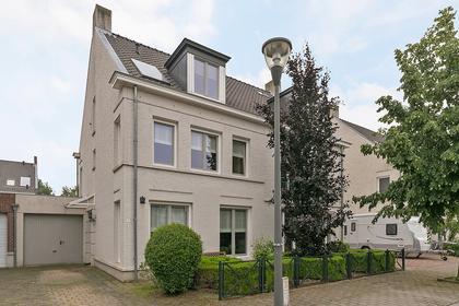 'T Leemsveld 7 in Helmond 5706 KN
