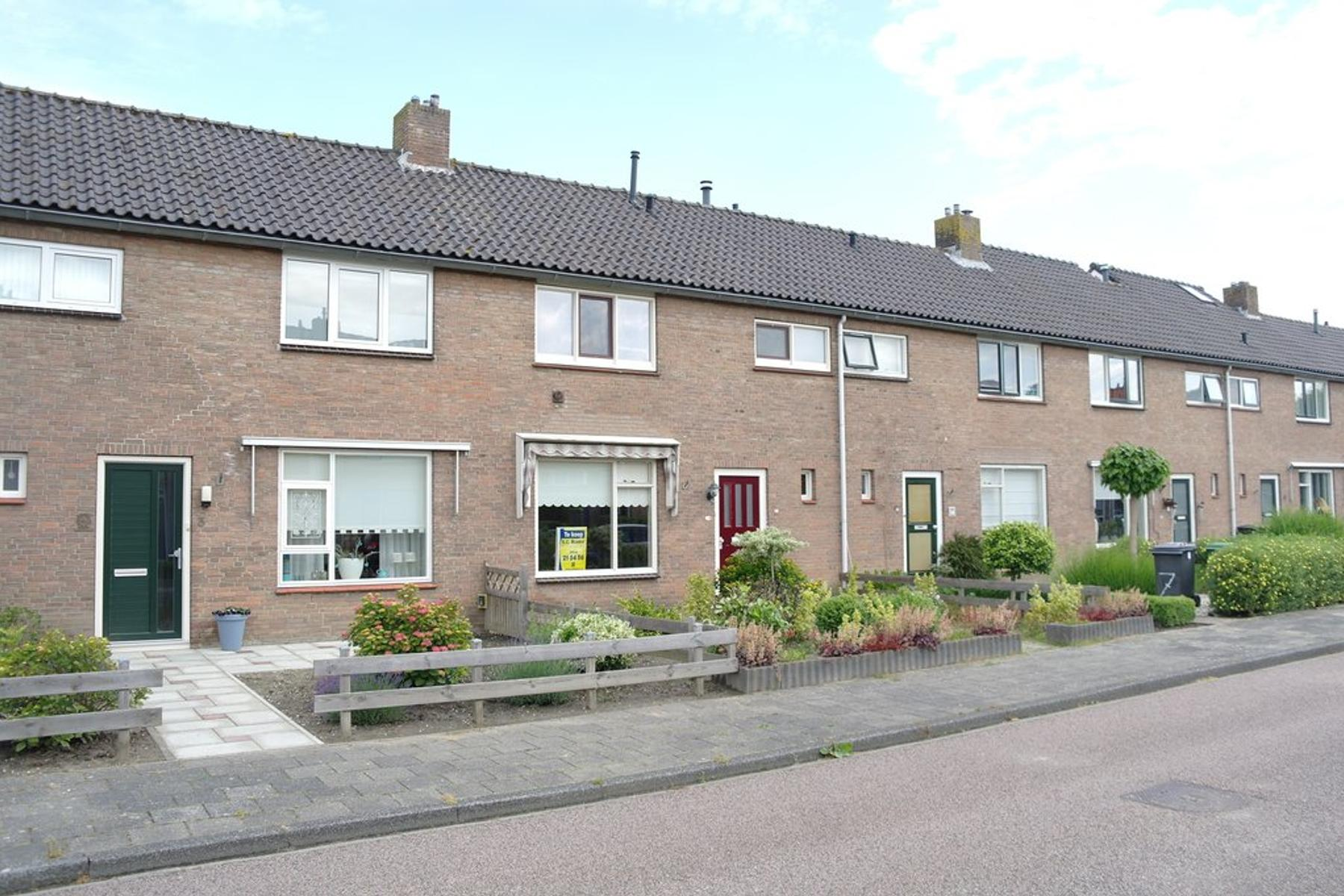 Dr. Colijnstraat 5 in Middenmeer 1775 CG