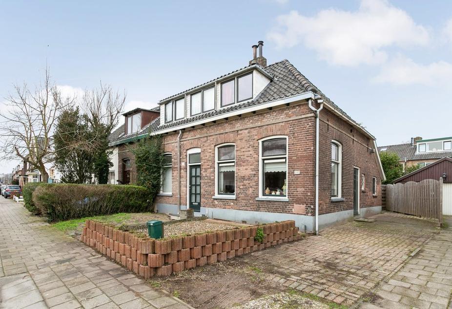 Weg Naar Laren 203 in Zutphen 7203 HK