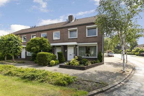 Carneooldijk 47 in Roosendaal 4706 EL