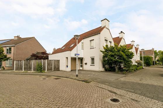 Karpaten 33 in Helmond 5706 PE