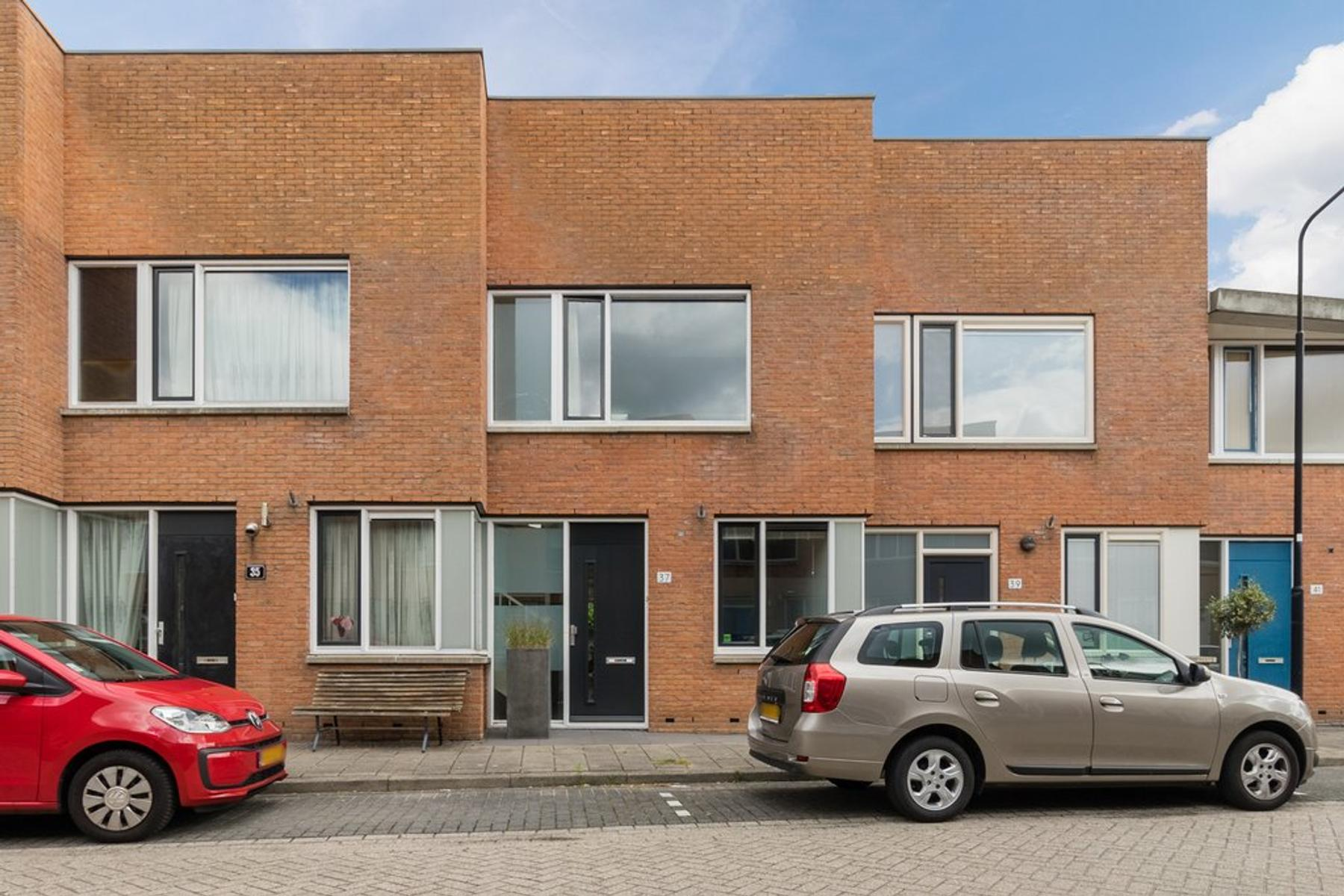 Jan Bijhouwerstraat 37 in IJsselstein 3404 AL