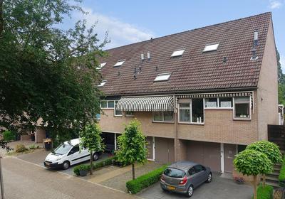 Robert Stolzstraat 73 in Hengelo 7558 CK