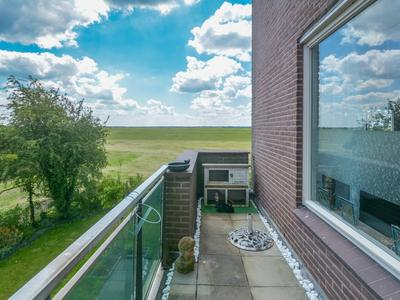 Dijkmeent 48 in Almere 1357 EC