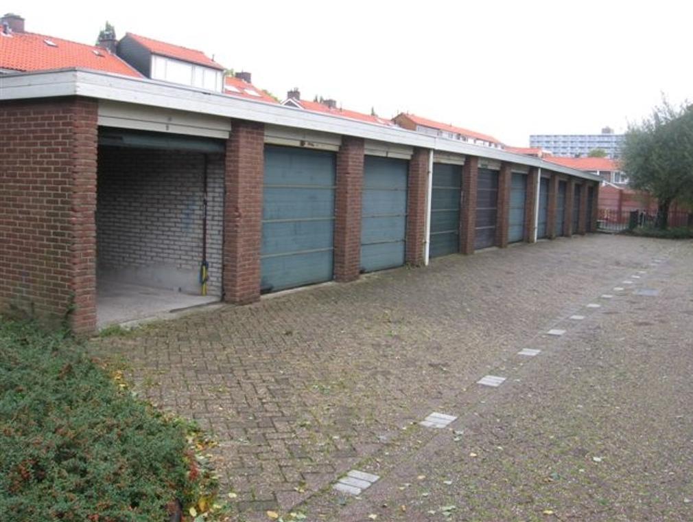 Jacob Van Lennepstraat 28 in Spijkenisse 3202 AN
