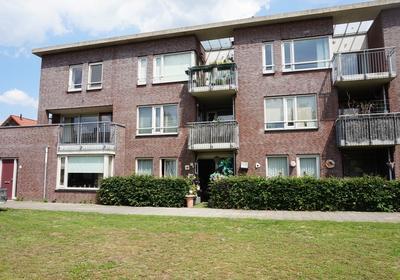 Pastoor Mutsaersstraat 24 in 'S-Hertogenbosch 5213 VR
