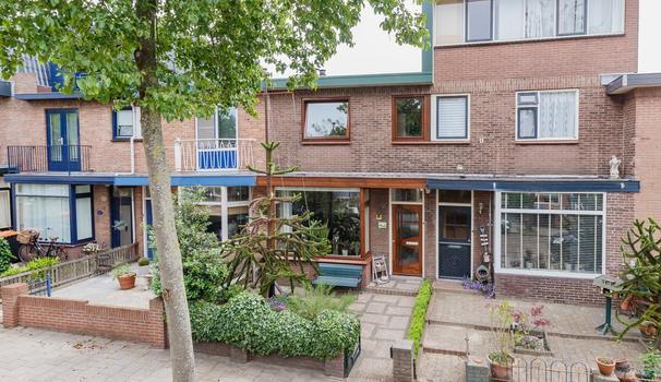 Spilbergenstraat 11 in IJmuiden 1972 MC