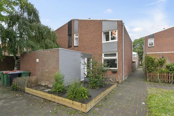 Melijn 14 in Zevenbergen 4761 NN
