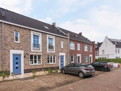 Van Voornestraat 8 in Rucphen 4715 CM