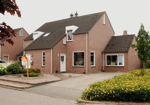Esdoornlaan 2 in Sint Odilienberg 6077 CP