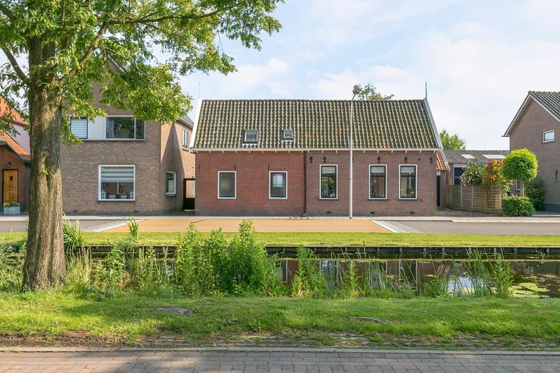 Westeinde 33 in Roelofarendsveen 2371 AT