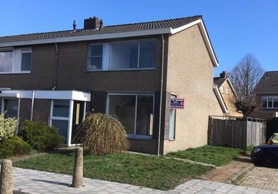 Denneplein 13 in Steenbergen 4651 HP