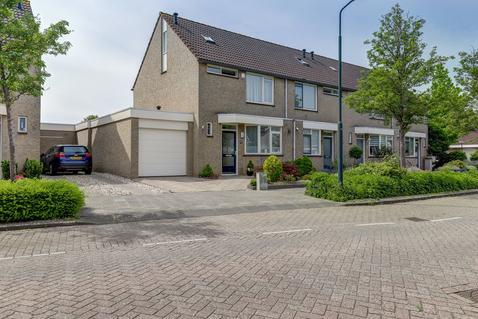 Schapedrift 68 in Hardinxveld-Giessendam 3371 JJ