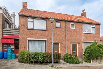 Beatrixstraat 1 in Rozenburg 3181 GA