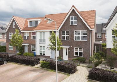 Kees Pellenaarsstraat 10 in Alphen Aan Den Rijn 2406 LM