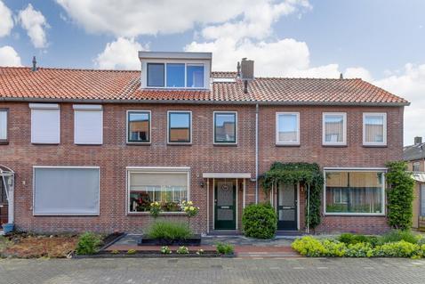 Gerard Doustraat 3 in Hardinxveld-Giessendam 3372 XE