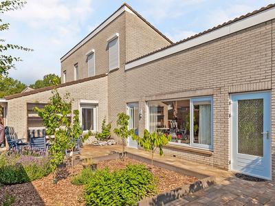 G.A. Overdijkinkstraat 33 in Almere 1333 JK