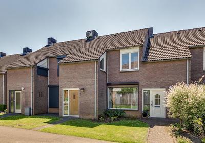 Heuvel 15 in Roermond 6042 JP