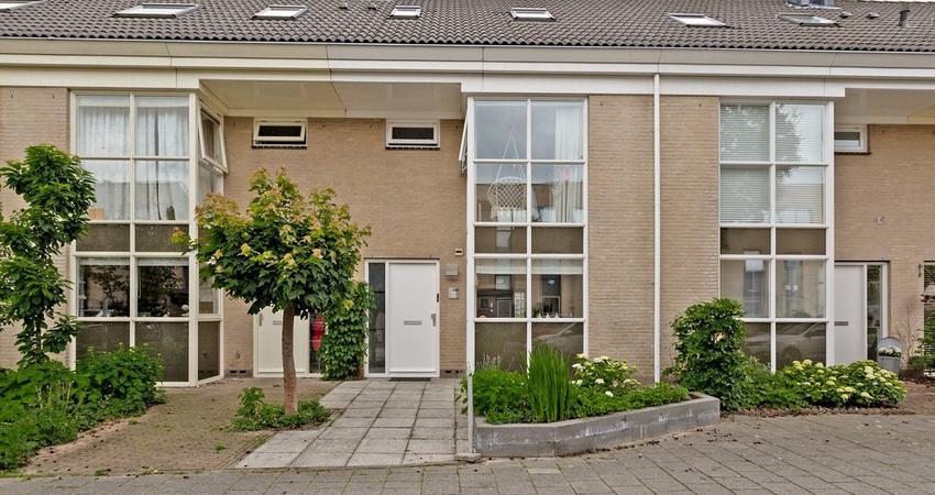 Evenaar 396 in Alphen Aan Den Rijn 2408 HR