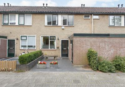 Het Laar 6 in Deventer 7414 BS
