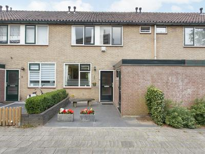 Het Laar 6 in Deventer 7414 BS