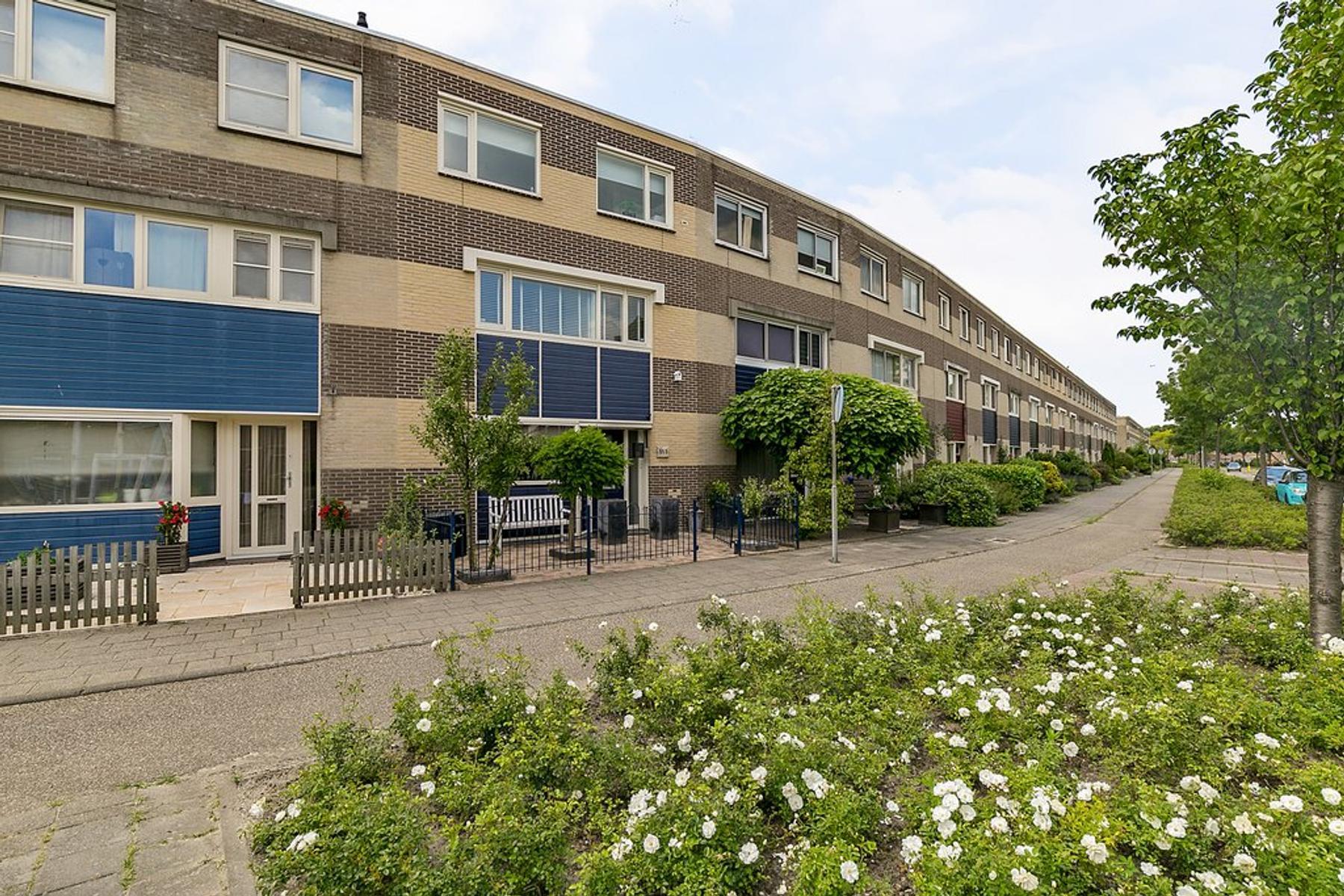 Binkhorst 117 in Alphen Aan Den Rijn 2402 MG
