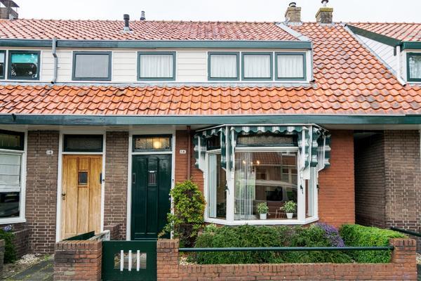 Emmalaan 14 in Hoorn 1623 MC