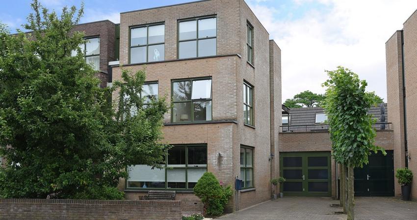 Van Hogendorplaan 1 G in Hilversum 1215 EG