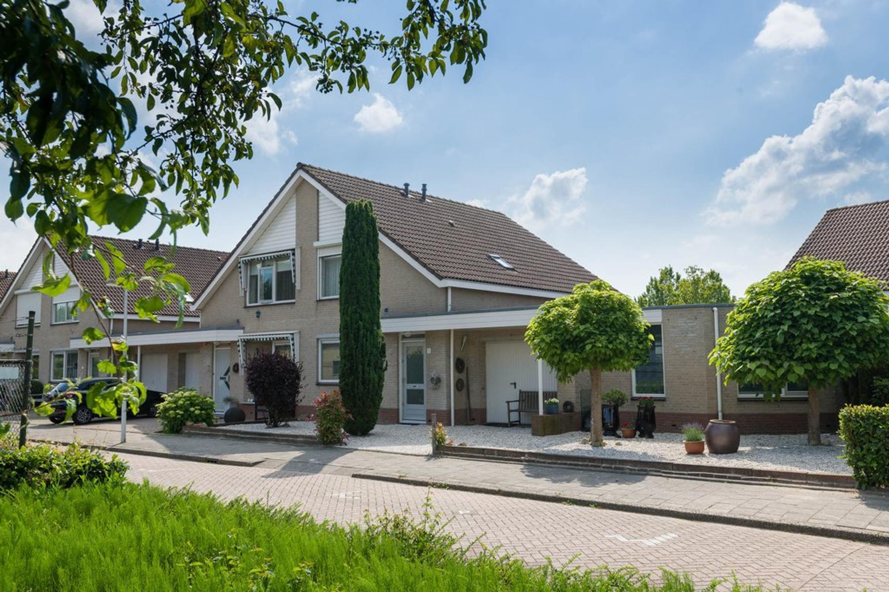 Albert Schweitzerstraat 5 in Barendrecht 2992 KG
