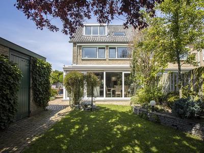 Van Helsdingenlaan 19 in Voorschoten 2252 BW