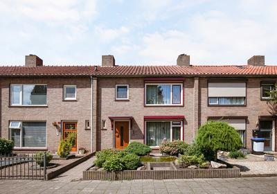 Prof Mulderslaan 14 in Oudenbosch 4731 BV