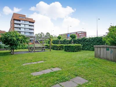 Raoul Wallenbergstraat 129 in Amsterdam 1102 AX