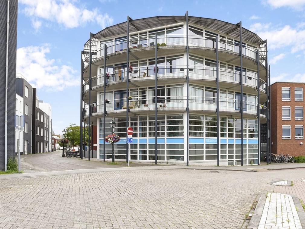 Dorpsstraat 145 in Nootdorp 2631 BX