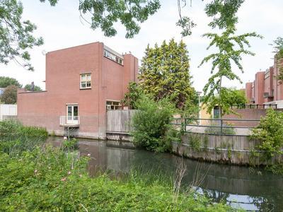 Walenburg 100 in Alphen Aan Den Rijn 2402 KC