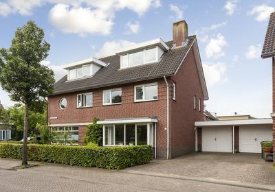 Fientje Brouwersstraat 4 in 'S-Hertogenbosch 5221 JM