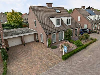 Oeverzwaluw 51 in 'S-Hertogenbosch 5221 GM