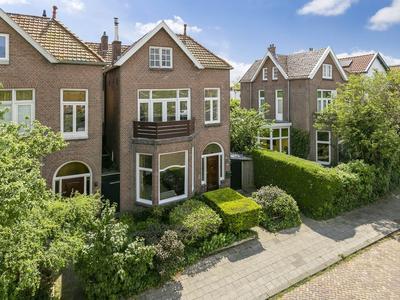 Emmakade 128 in Leeuwarden 8933 AX