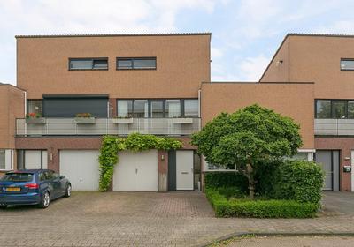 Johan Van Oldenbarneveltlaan 11 in Etten-Leur 4871 HB