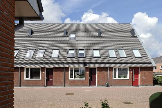 Bonoort 35 in Broek Op Langedijk 1721 JE