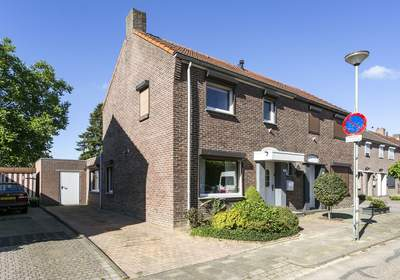 Karel Doormanstraat 20 in Landgraaf 6374 VG