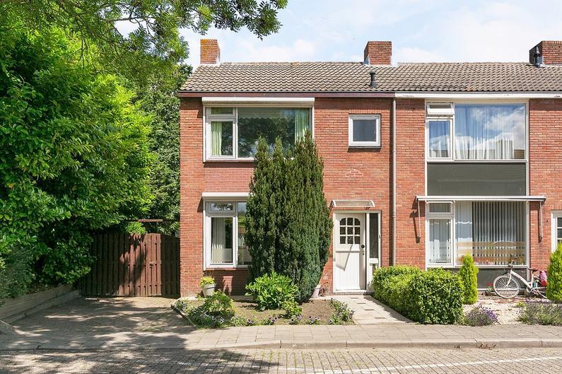 Wilhelminastraat 1 in Hoek 4542 AR
