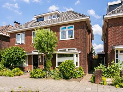 Dahliastraat 16 in Enschede 7531 DL